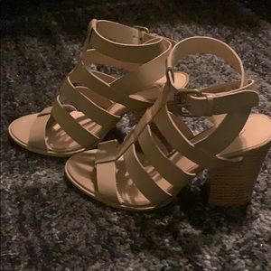 American Eagle heels brown size 7.5